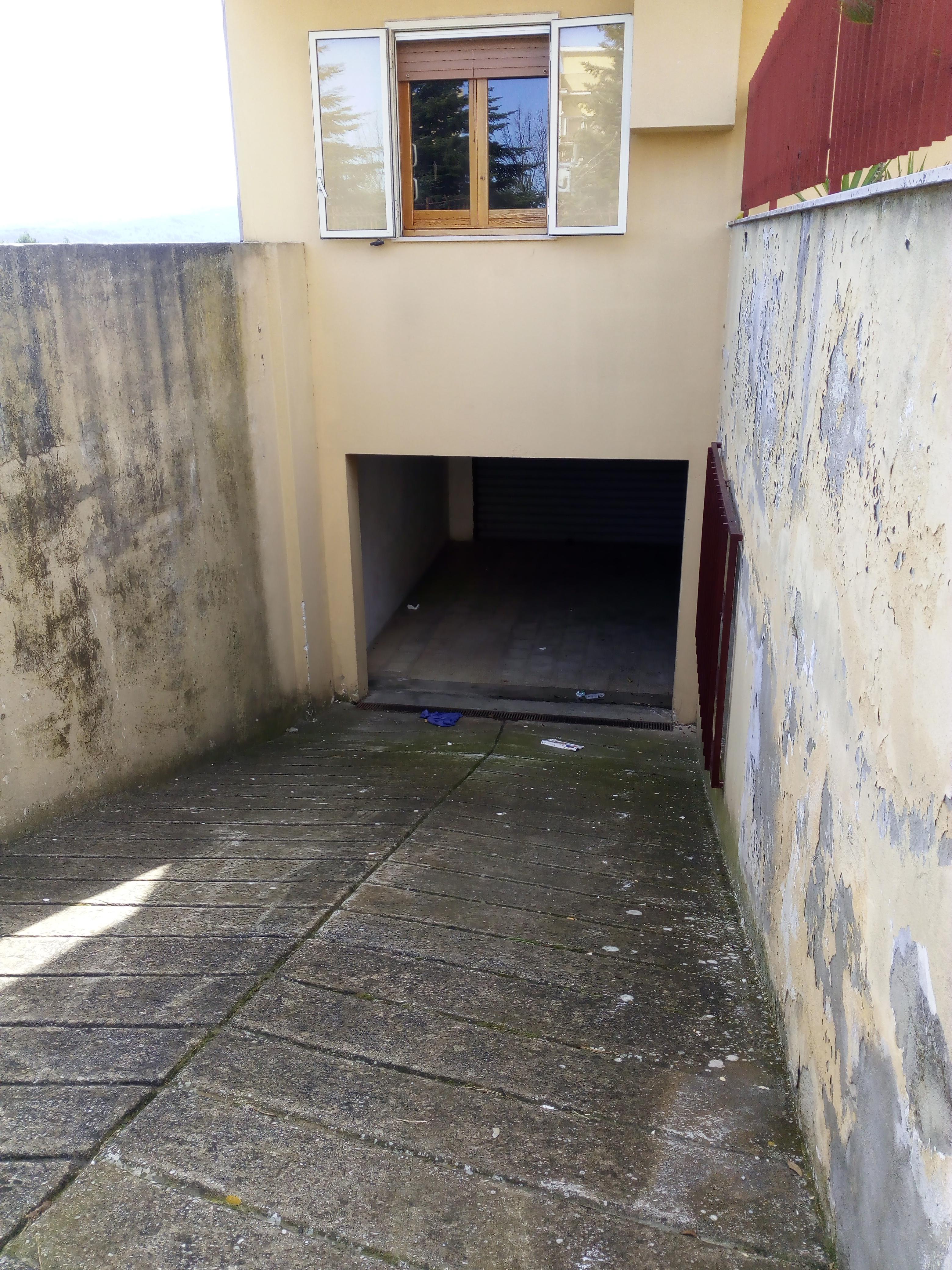 Appartamento in vendita a Vico del Gargano, 2 locali, zona Località: ConventoeFontanelle, prezzo € 65.000 | CambioCasa.it