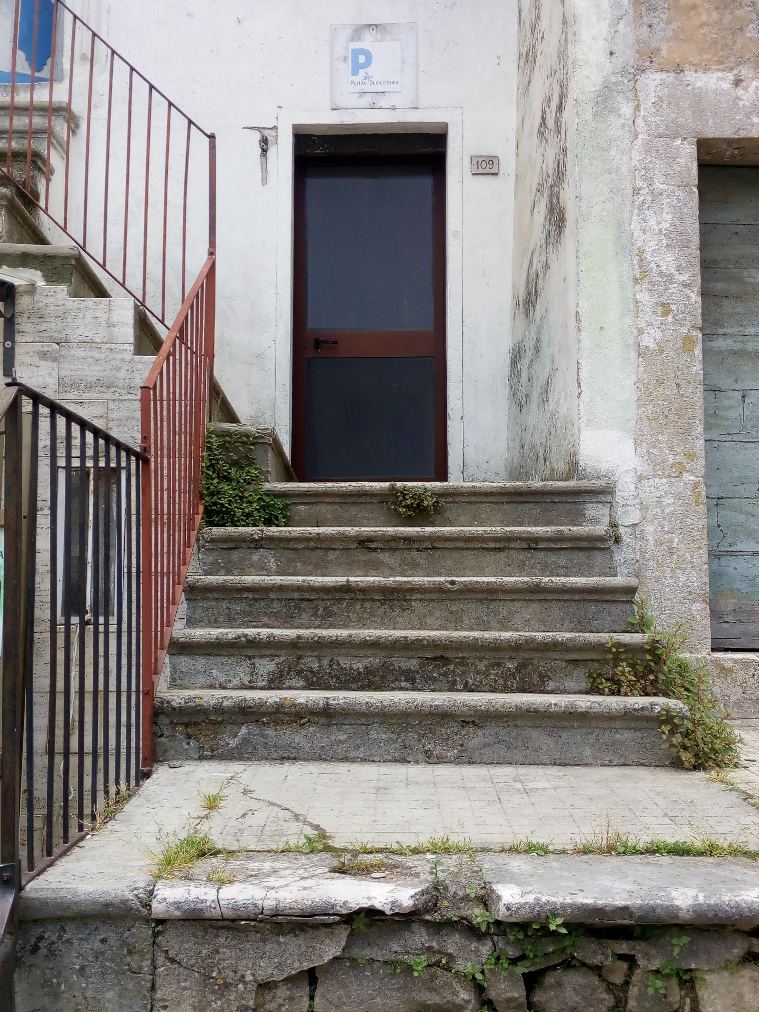 Ufficio / Studio in vendita a Vico del Gargano, 2 locali, prezzo € 42.000 | PortaleAgenzieImmobiliari.it