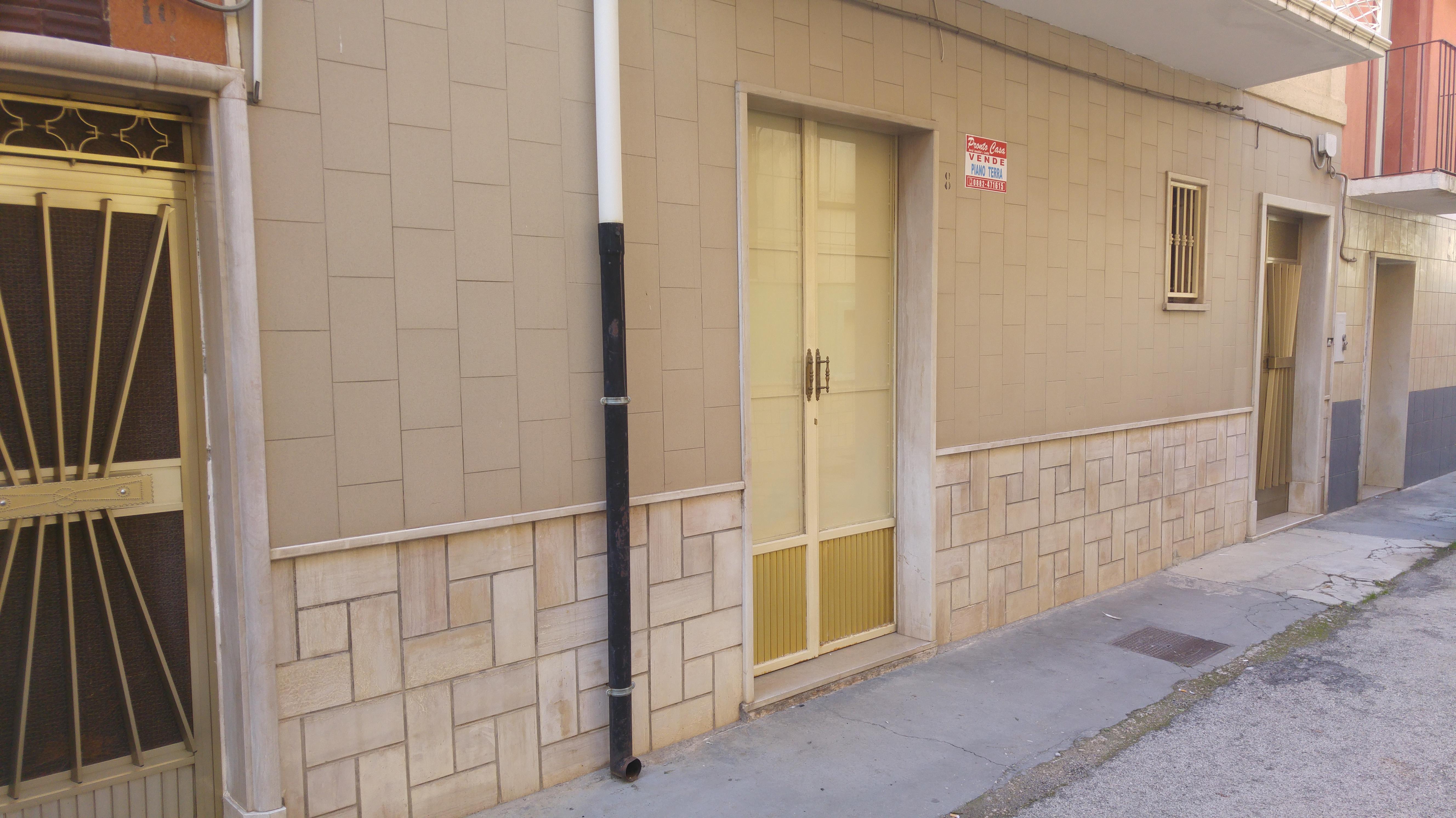 Appartamento in vendita a San Nicandro Garganico, 2 locali, zona Località: STAZIONE, prezzo € 15.000   CambioCasa.it