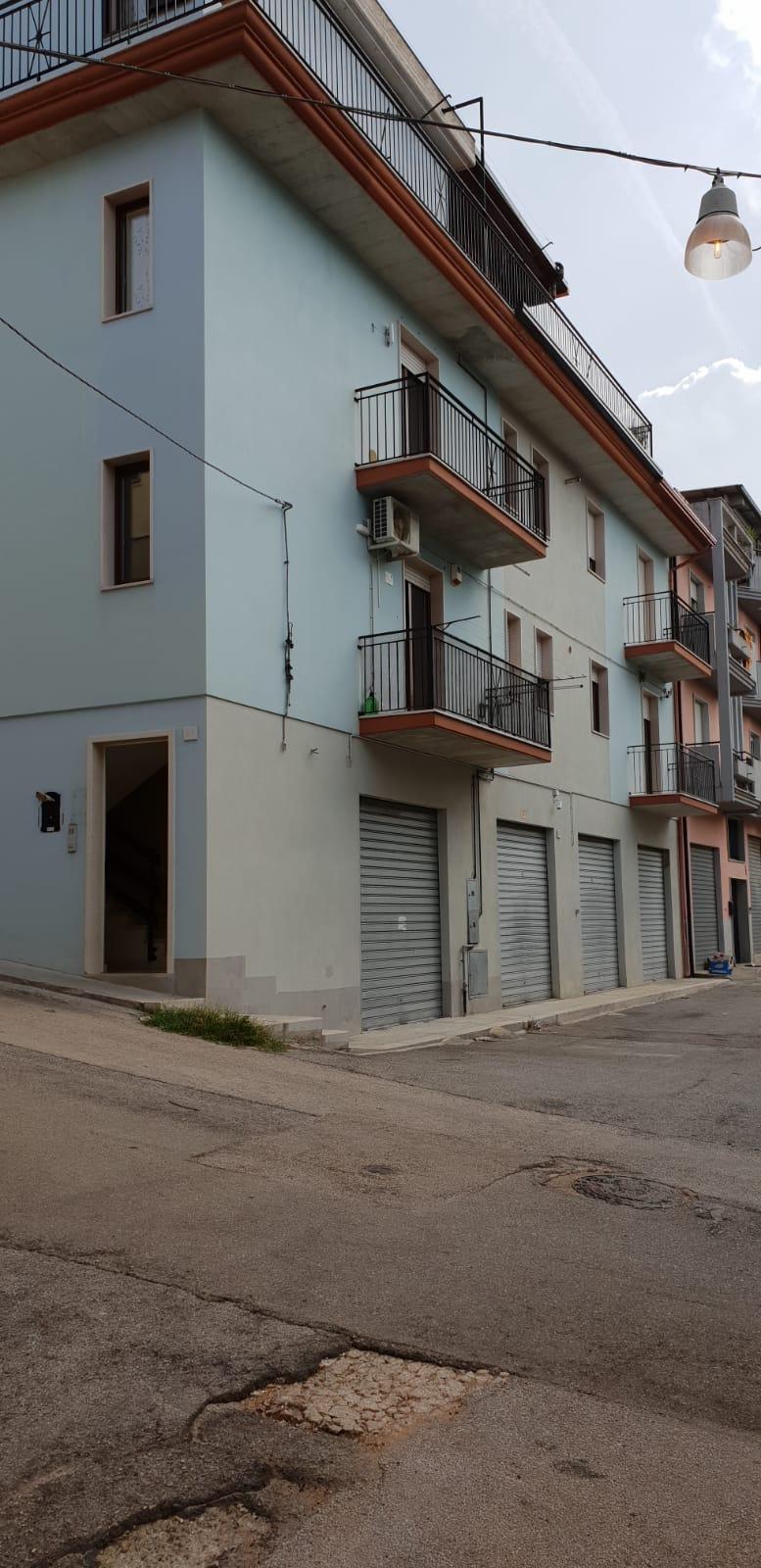 Appartamento in vendita a San Nicandro Garganico, 3 locali, zona Località: BOSCHETTO, prezzo € 62.000   CambioCasa.it