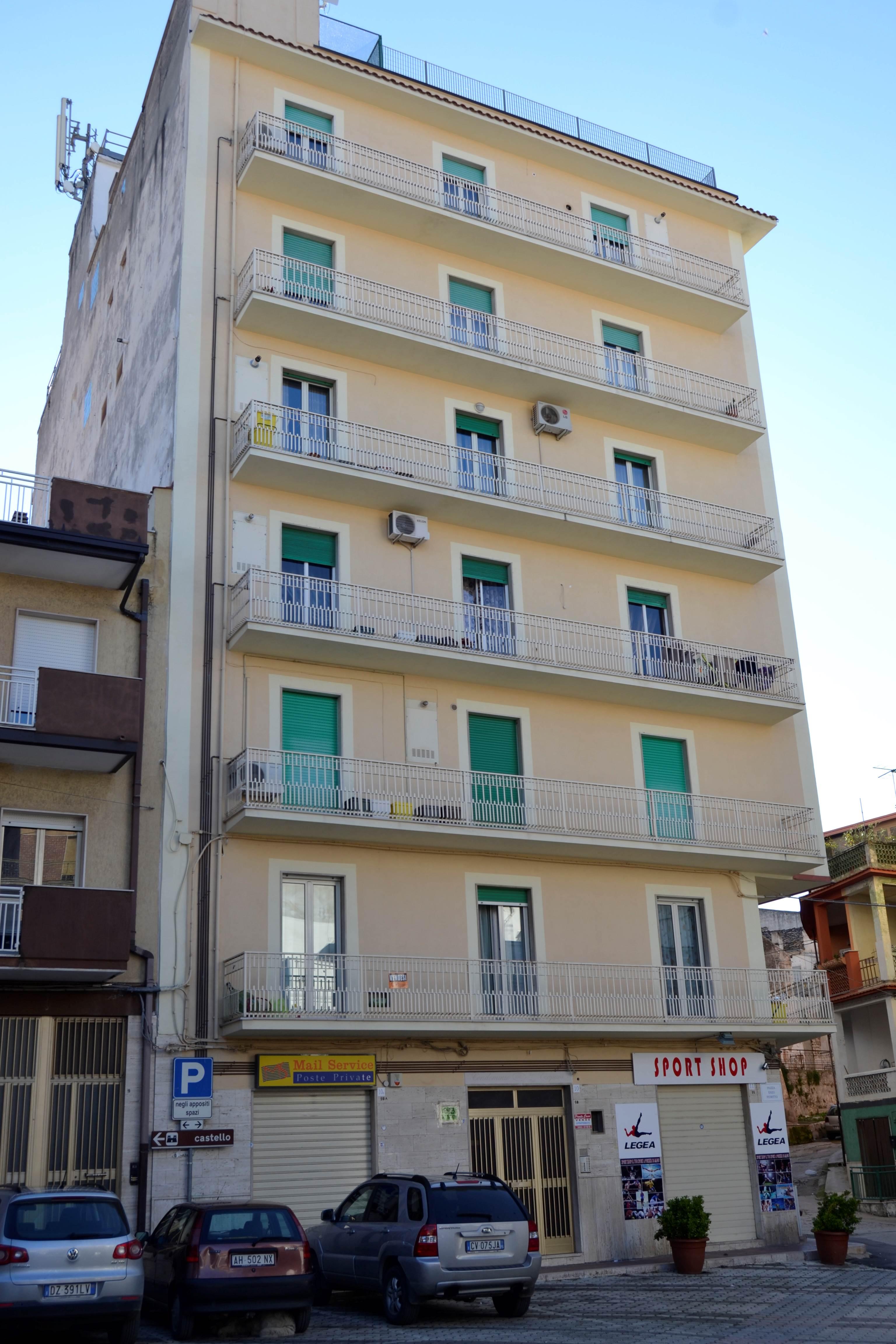 Appartamento in vendita a San Nicandro Garganico, 3 locali, zona Località: CENTRO, prezzo € 18.000   CambioCasa.it