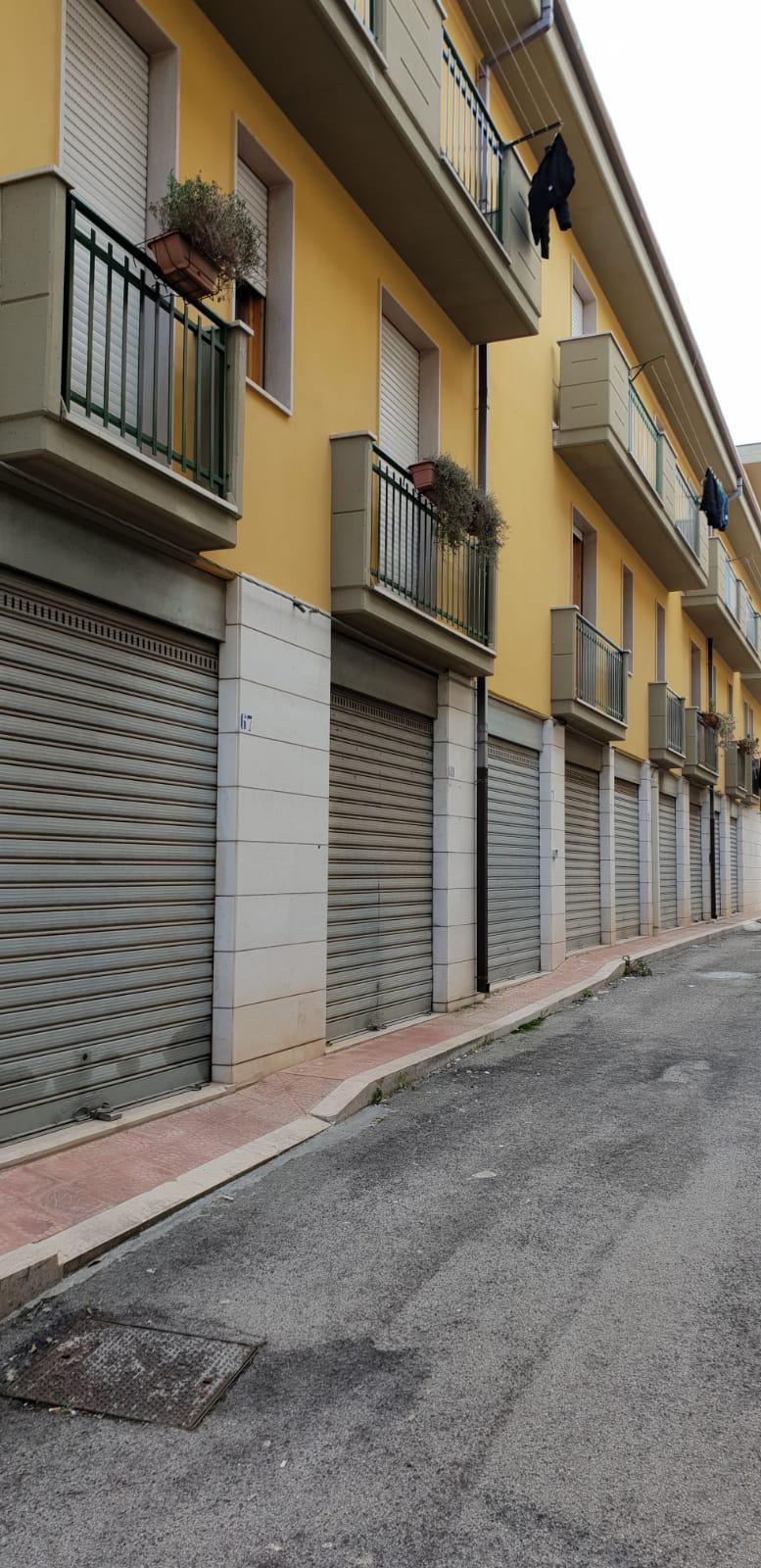 Box / Garage in vendita a San Nicandro Garganico, 1 locali, zona Località: STAZIONE, prezzo € 15.000 | CambioCasa.it