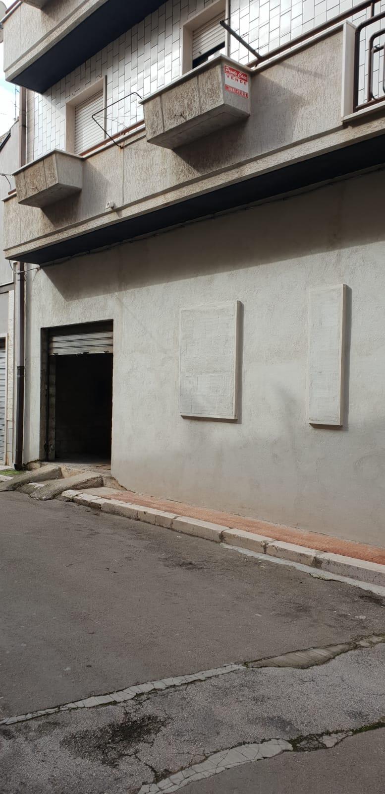 Box / Garage in vendita a San Nicandro Garganico, 1 locali, zona Località: STAZIONE, prezzo € 30.000 | CambioCasa.it