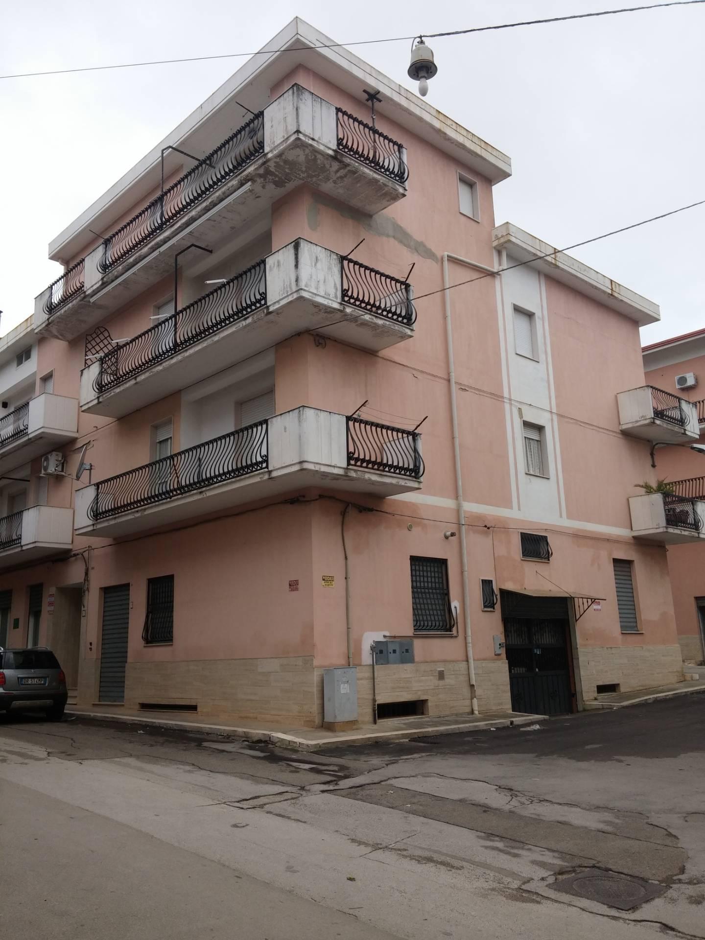 Attico / Mansarda in vendita a San Nicandro Garganico, 3 locali, zona Località: KENDAL, prezzo € 37.000   CambioCasa.it