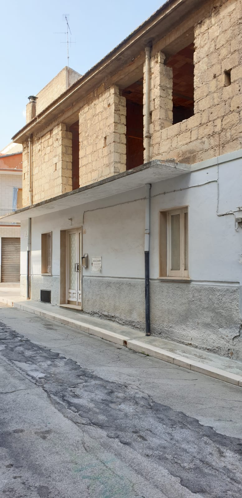 Soluzione Indipendente in vendita a San Nicandro Garganico, 3 locali, zona Località: BOSCHETTO, prezzo € 35.000   CambioCasa.it