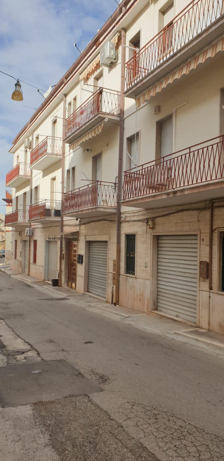 Appartamento in vendita a San Nicandro Garganico, 4 locali, prezzo € 55.000   PortaleAgenzieImmobiliari.it