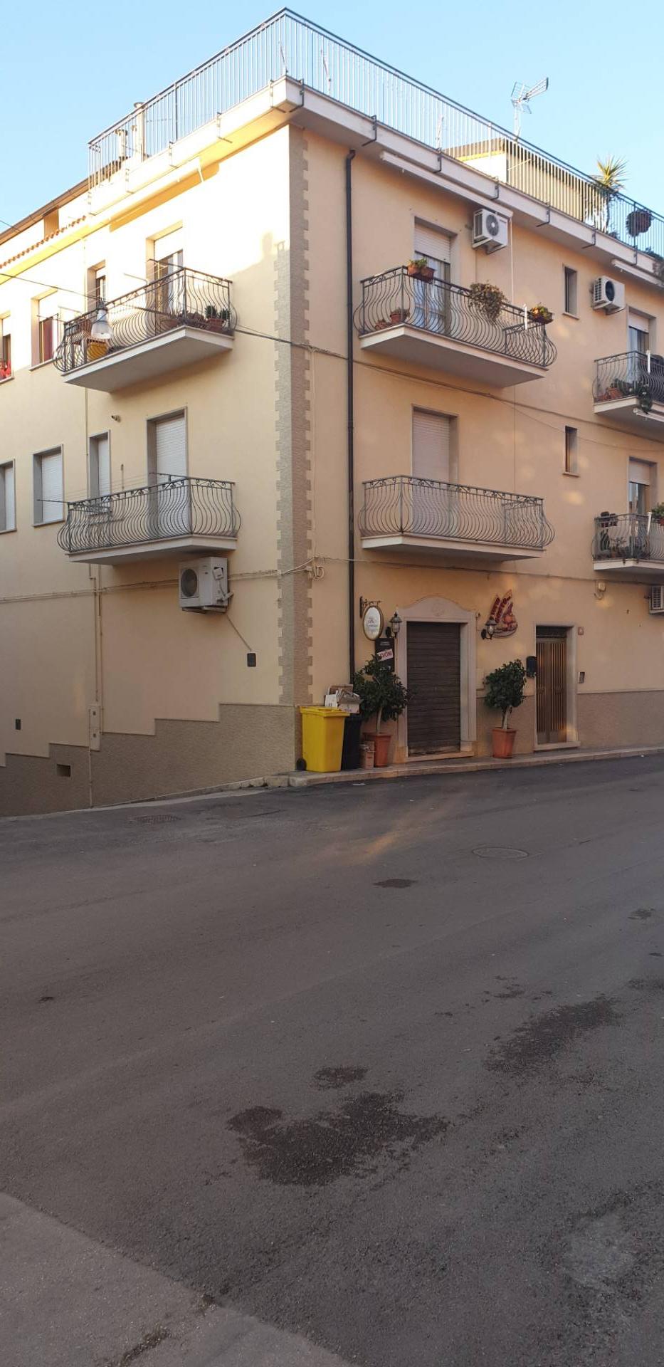 Appartamento in vendita a San Nicandro Garganico, 4 locali, zona Località: POSTECENTRALI, prezzo € 47.000   PortaleAgenzieImmobiliari.it