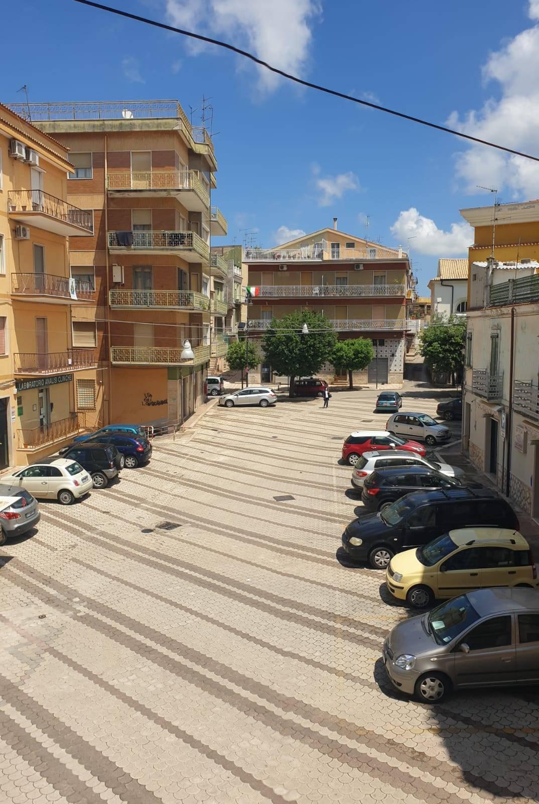 Appartamento in vendita a San Nicandro Garganico, 3 locali, zona Località: CENTRO, prezzo € 68.000   CambioCasa.it