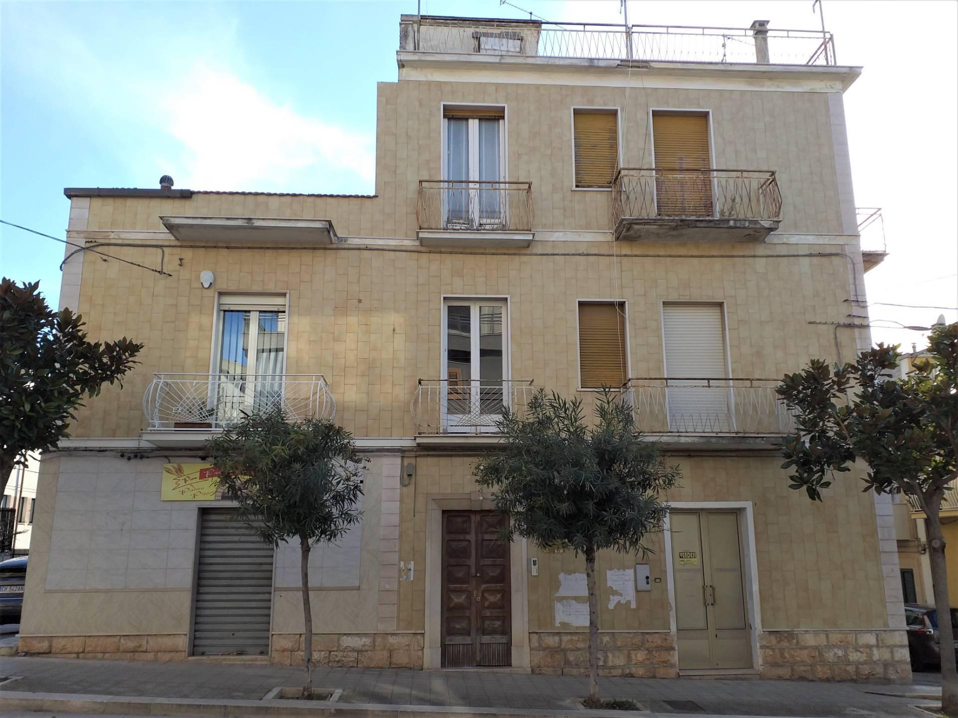 Appartamento in vendita a San Nicandro Garganico, 3 locali, zona Località: STAZIONE, prezzo € 22.000 | PortaleAgenzieImmobiliari.it