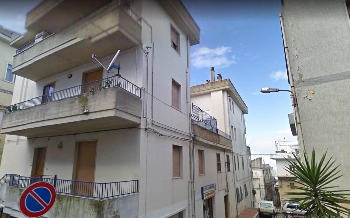 Appartamento in vendita a Ischitella, 5 locali, zona Località: ViaperRodieGrottadellaMadonna, prezzo € 89.000 | PortaleAgenzieImmobiliari.it