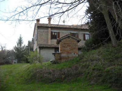Casa colonica in Vendita a Cartoceto