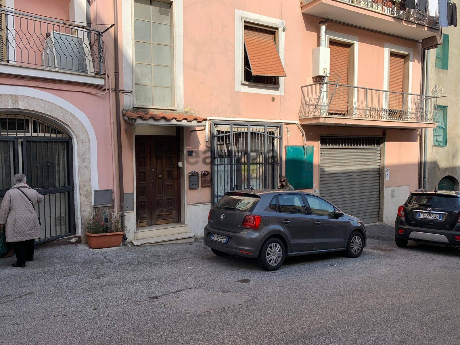 Fondo commerciale in vendita a Frosinone (FR)