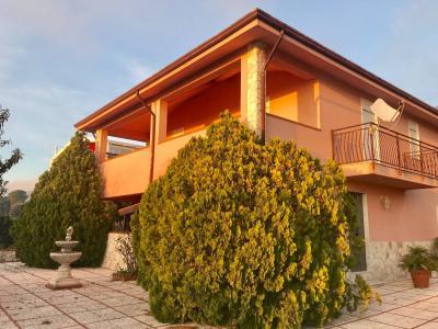 Villa in Vendita a Montelepre