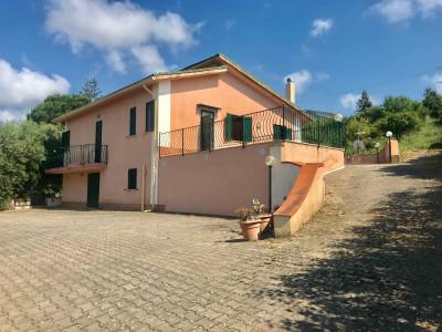 Villa in Vendita a Collesano