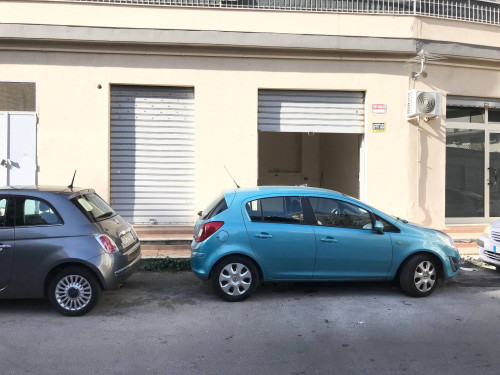 Magazzino in Affitto/Vendita a Palermo