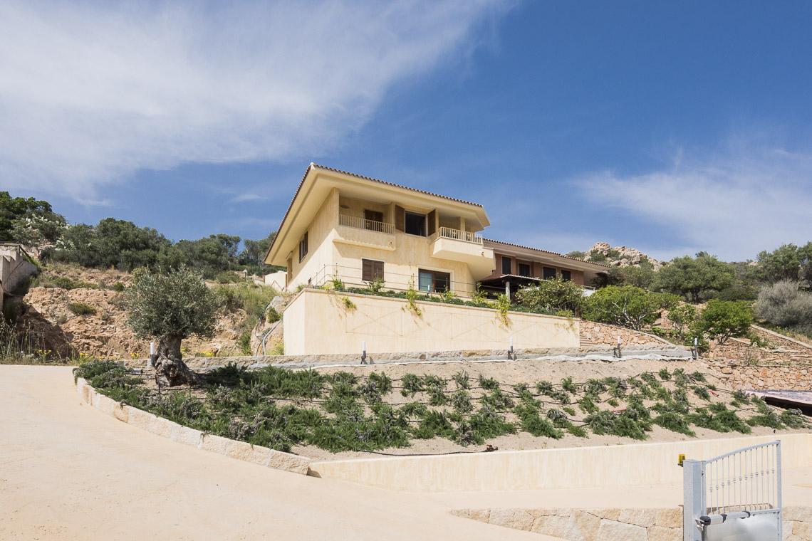 Villa in vendita a , 8 locali, prezzo € 690.000   CambioCasa.it