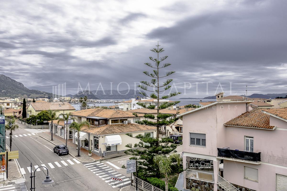 Appartamento in vendita a Golfo Aranci, 4 locali, prezzo € 339.000 | CambioCasa.it