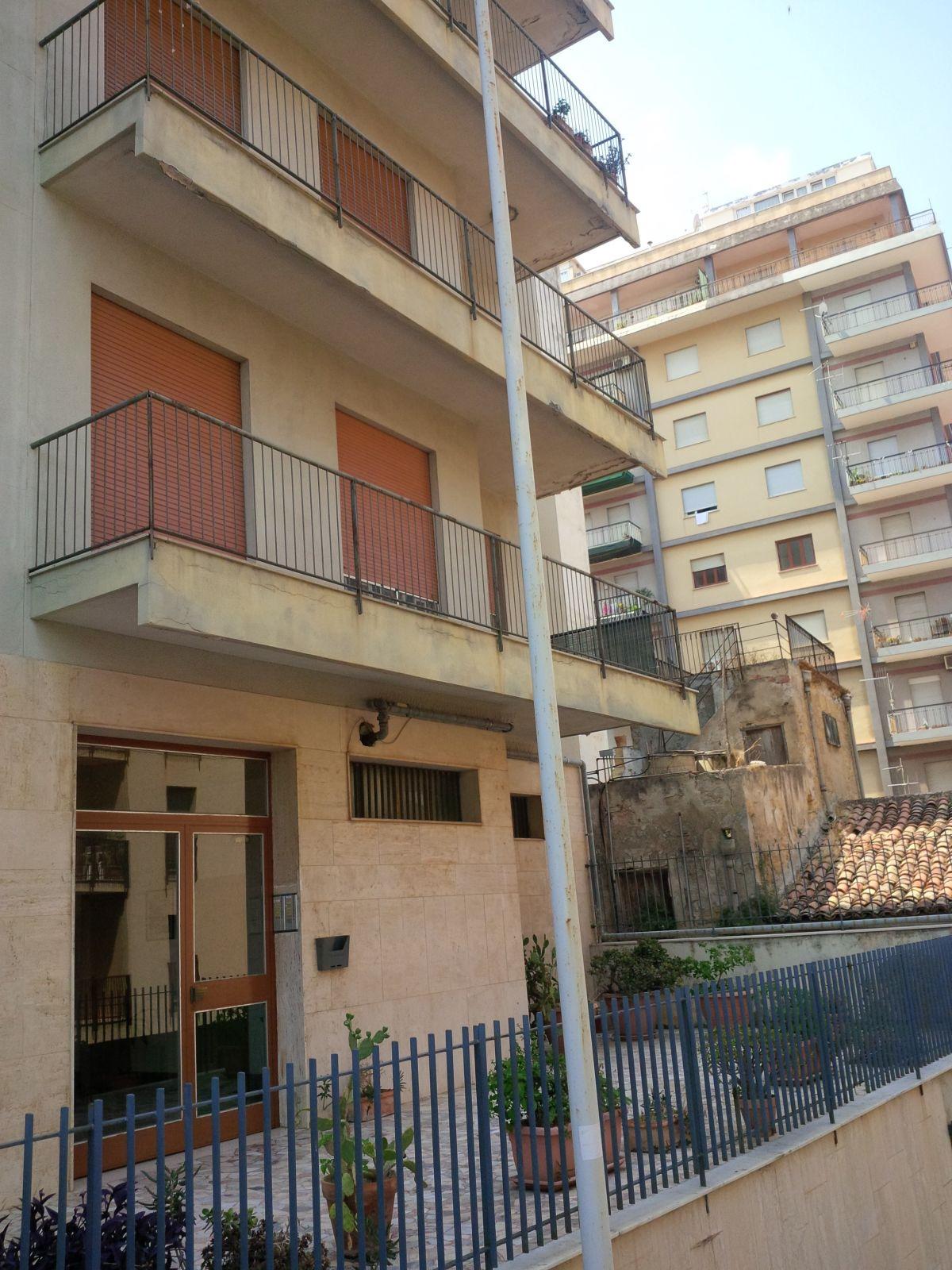 Appartamento in vendita a Termini Imerese, 6 locali, prezzo € 130.000 | CambioCasa.it