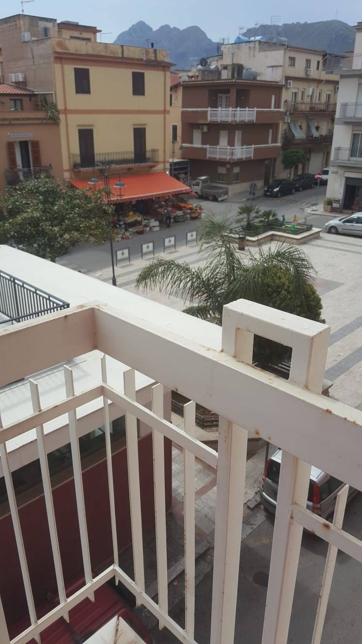 Appartamento in vendita a Altavilla Milicia, 4 locali, prezzo € 110.000 | CambioCasa.it