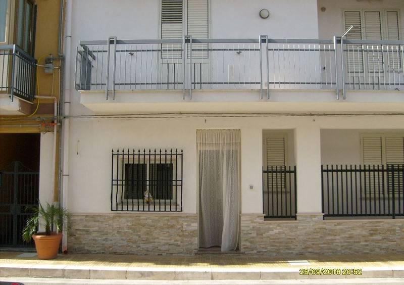 Appartamento in vendita a Altavilla Milicia, 5 locali, prezzo € 135.000 | CambioCasa.it