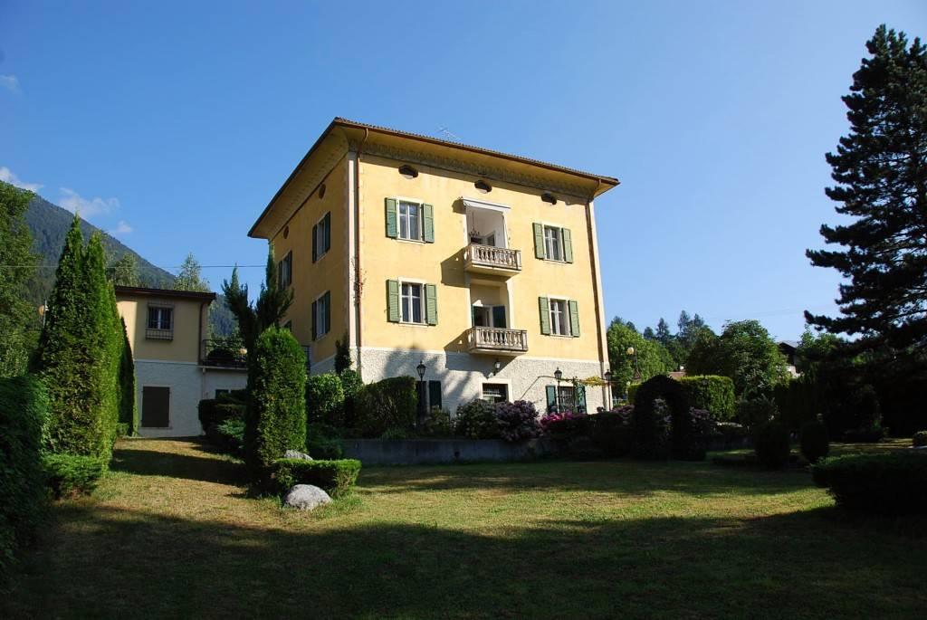Villa in vendita a Spiazzo, 20 locali, zona Zona: Mortaso, Trattative riservate | CambioCasa.it