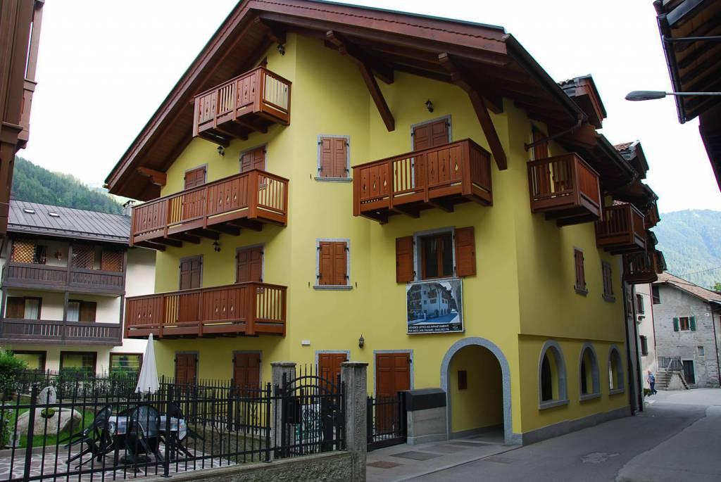Appartamento in vendita a Pinzolo, 3 locali, prezzo € 250.000 | CambioCasa.it