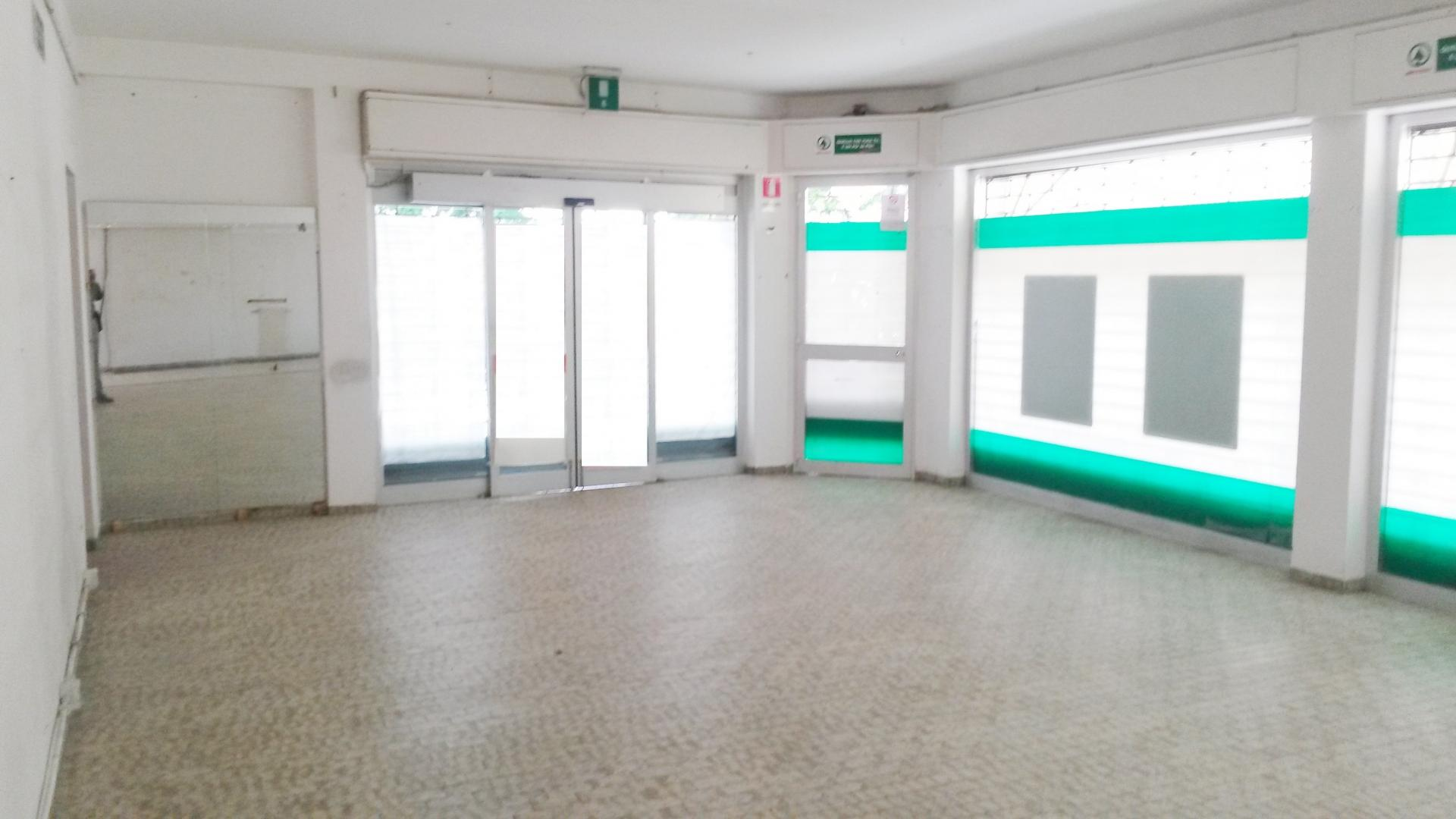 Negozio in Affitto a Farra d'Isonzo