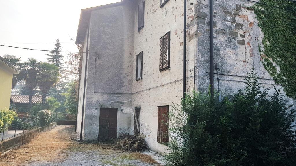 Bifamiliare / stabile intero in Vendita a Gradisca d'Isonzo