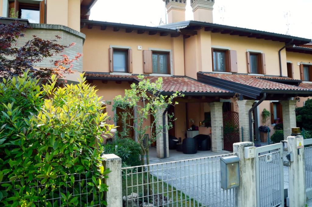 Villa a schiera centrale in Vendita a Gorizia