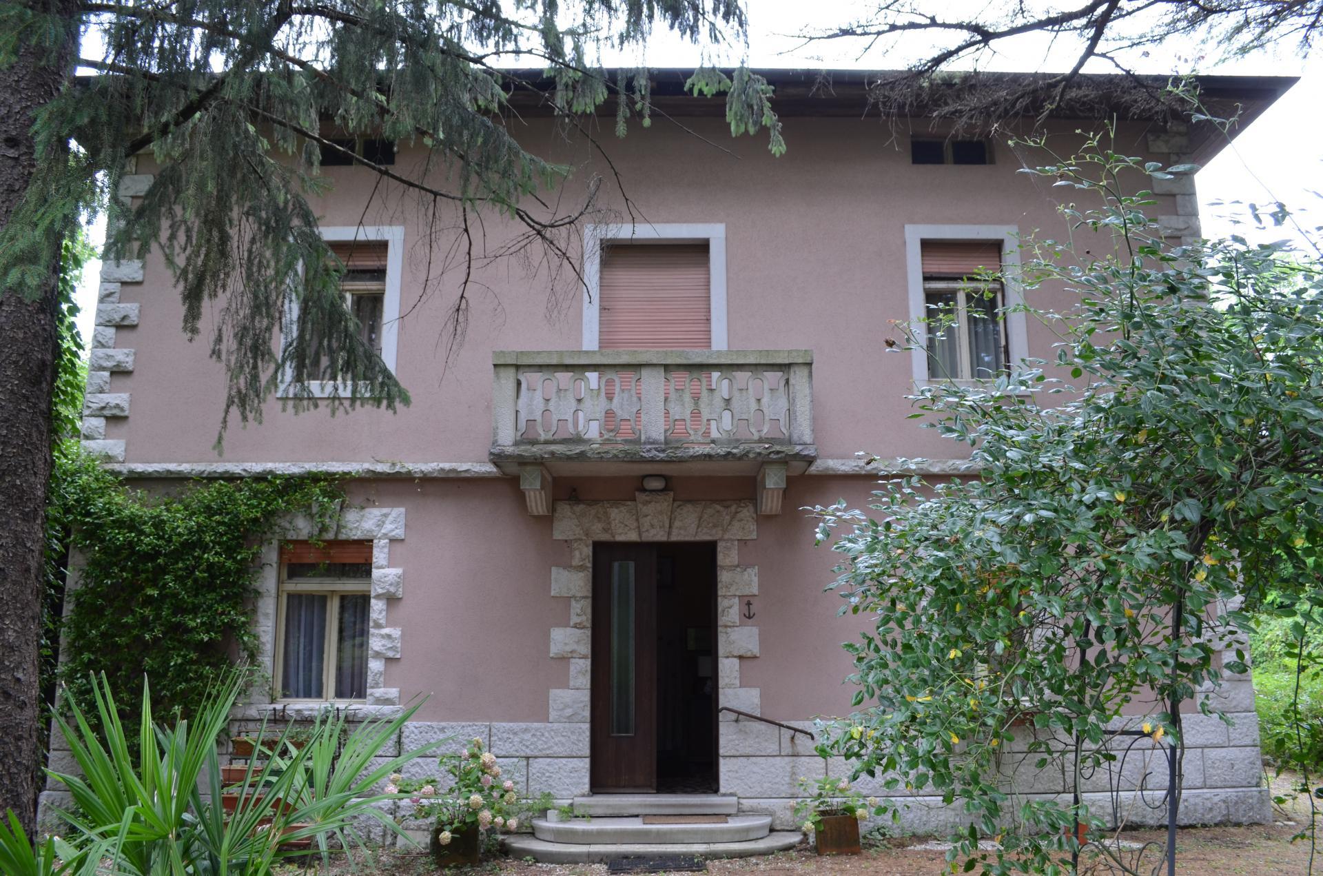Villa d'epoca / indipendente in Vendita a Savogna d'Isonzo