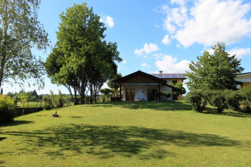 Villa in Vendita a Mossa