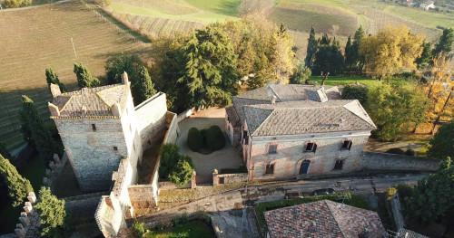 Villa in Vendita a Valsamoggia