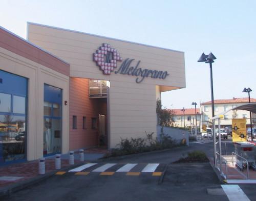 Locale commerciale in Affitto a Bazzano