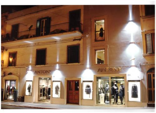 Locale commerciale in Affitto a Albano Laziale