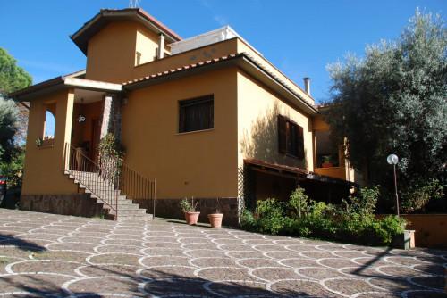 Villa Unifamiliare in Vendita a Albano Laziale