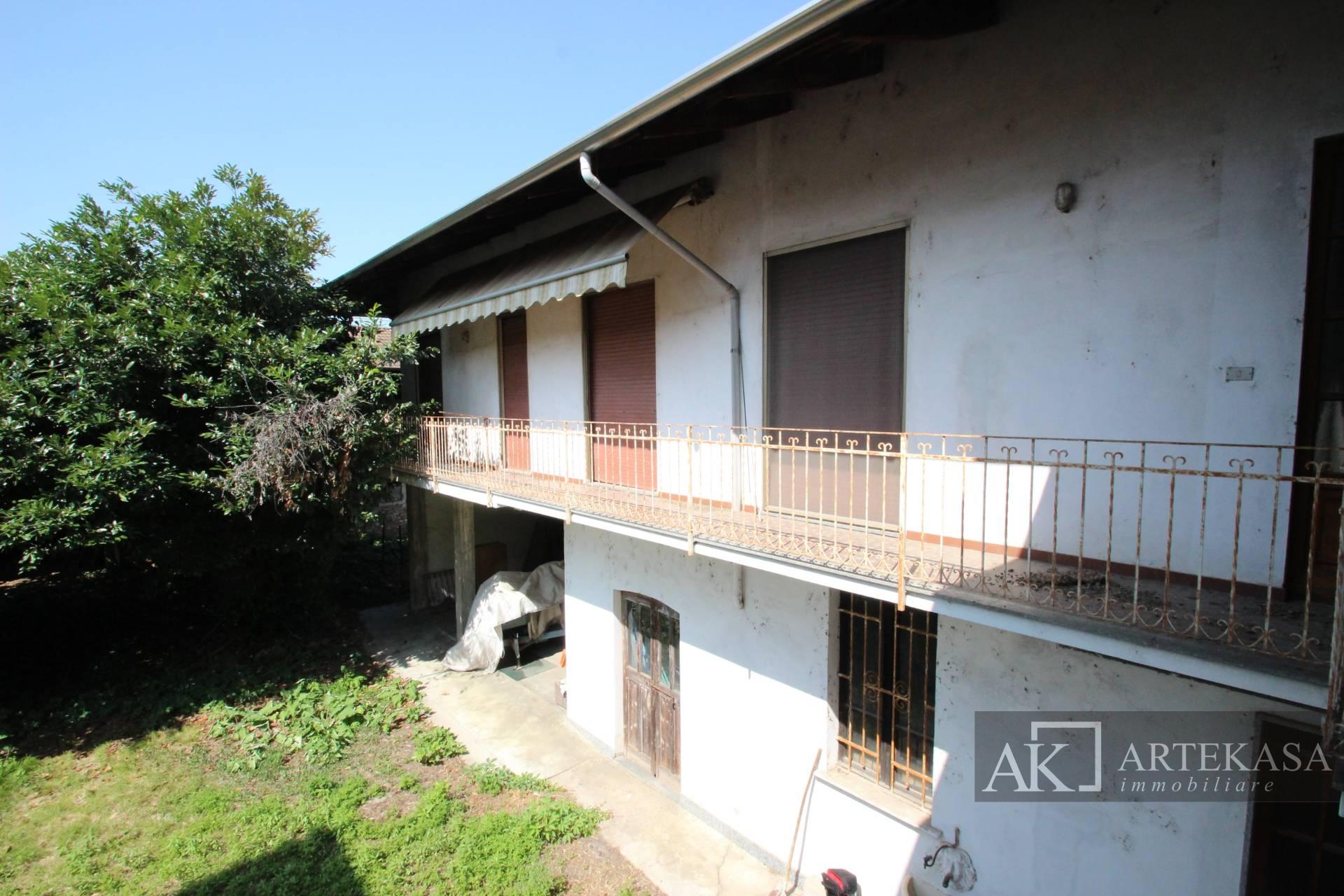 Villa Bifamiliare Fara Novarese