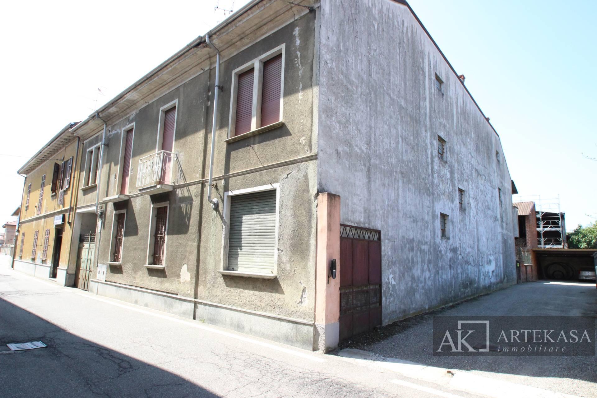 Palazzo/stabile Fara Novarese