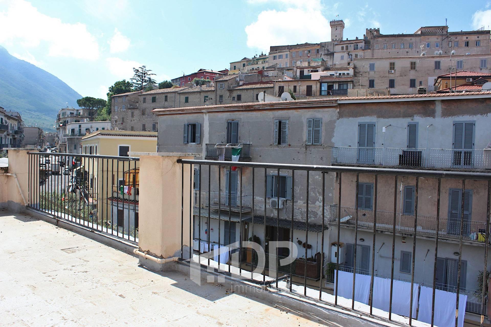 Appartamento in vendita a Palombara Sabina, 3 locali, zona Località: Semicentrale, prezzo € 63.000 | PortaleAgenzieImmobiliari.it