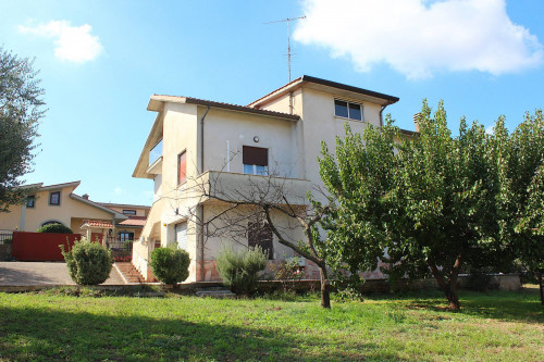 Casa singola in Vendita a Guidonia Montecelio