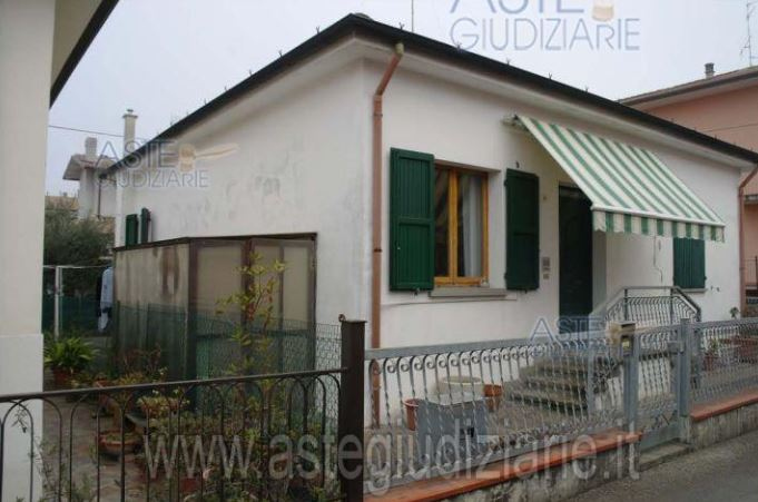 Foto 1 di Casa indipendente via napoli, Santarcangelo Di Romagna