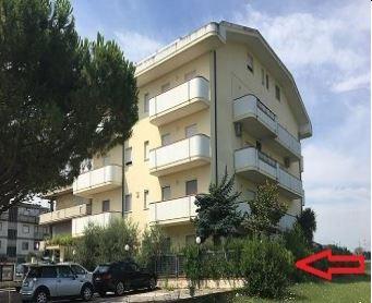 Appartamento in vendita a Alba Adriatica, 4 locali, prezzo € 55.845 | PortaleAgenzieImmobiliari.it