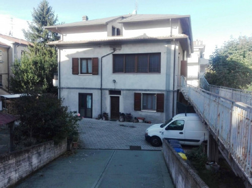 Appartamento a Forlì Via Sapinia