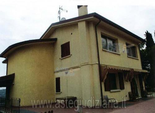 Villa a Poggio Berni Via I Maggio