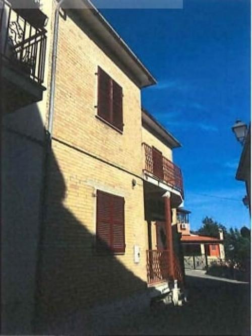 villetta cielo-terra a Castel di Lama Via Cavour