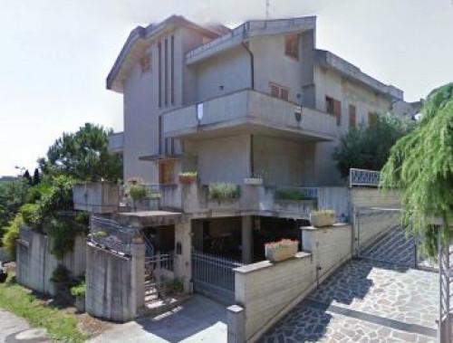 Villa a San Benedetto del Tronto Via Col Fiorito