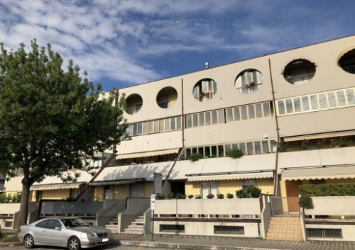 Appartamento + Garage/Magazzino a Cesena via Carlo Emilio Gadda