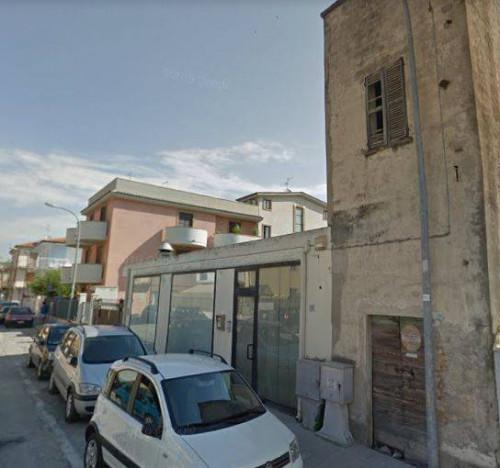 Locale commerciale a San Benedetto del Tronto via Oberdan