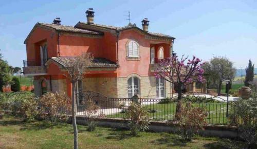Villa a Recanati Via Passerini - contrada santa lucia