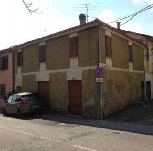 Appartamento a Borghi angolo tra via Pascoli e Via Roma