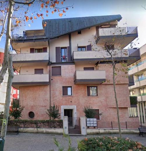 Appartamento + Garage/Magazzino a Rimini Viale Tripoli
